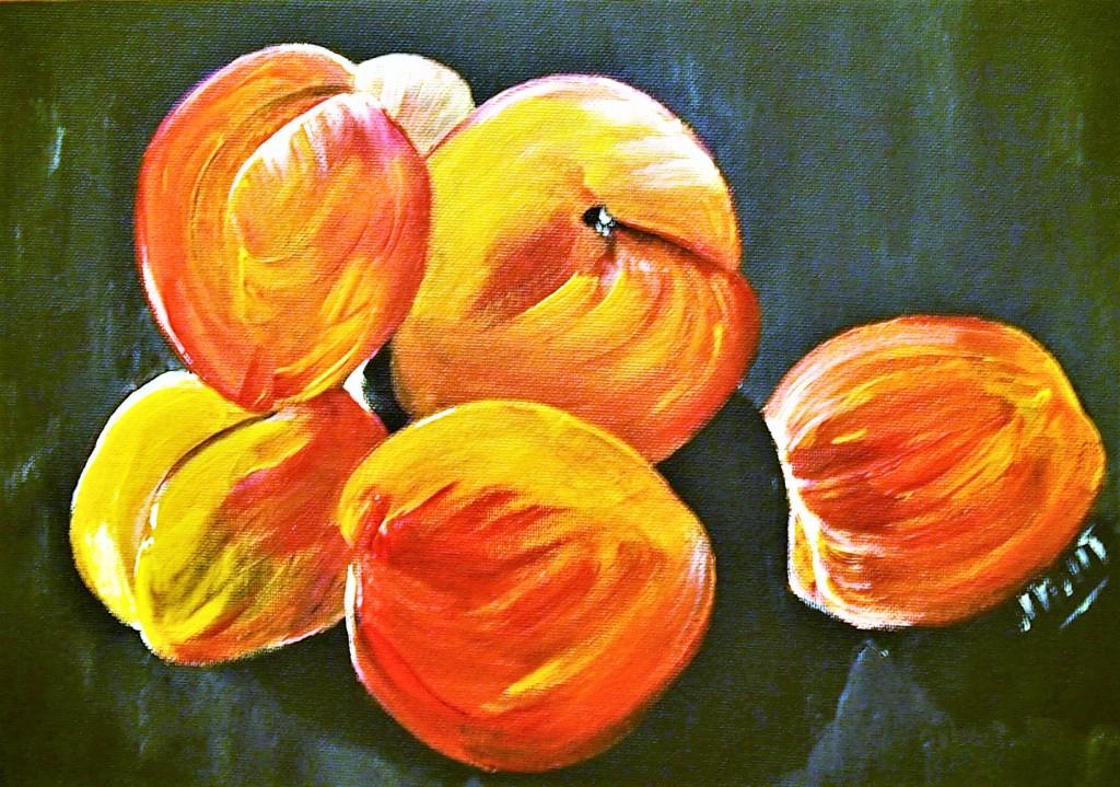 Apricot color